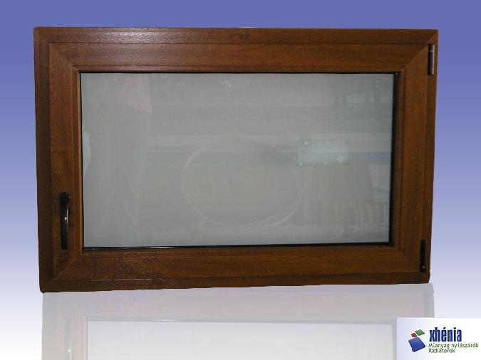 Fa hatású bukó ablak