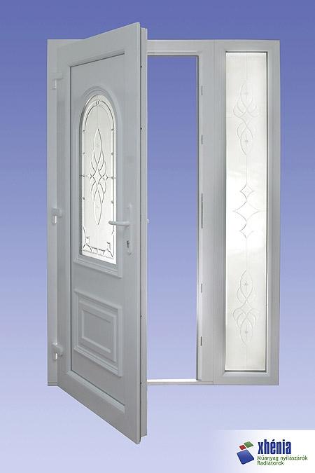 Kültéri kifelé nyíló bejárati ajtó